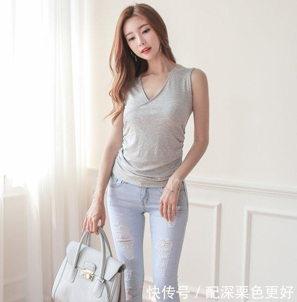 这个夏季,时髦百搭紧身牛仔裤展示女人性感,打造完美S曲线!