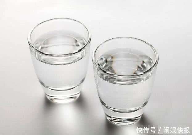 经常喝酒的人,喝高度酒好,还是低度酒好呢?很