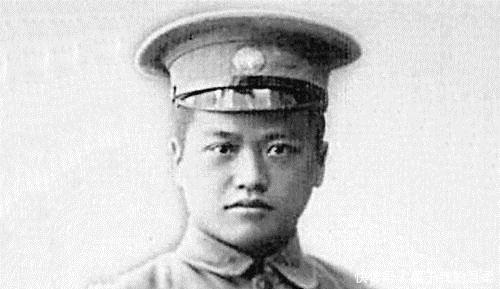<b>他是黄埔学生中升迁最快的人,一度曾跟老蒋平级</b>