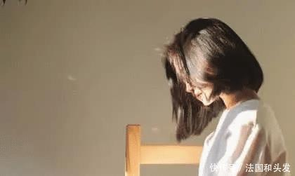 心理学:聊天时女生发嗯和嗯嗯不一样,不要再的女生头槌图片