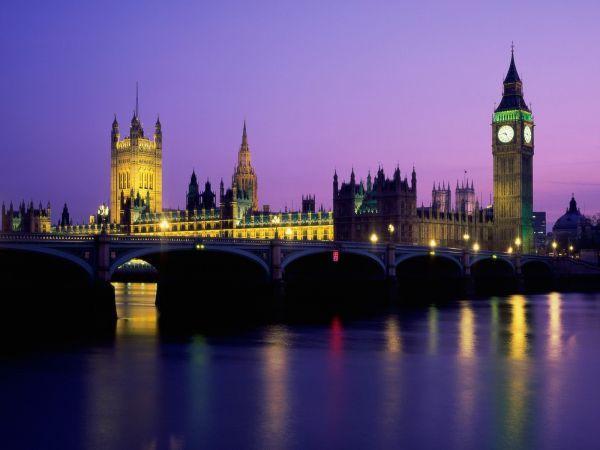 伦敦大桥始建于公元43年