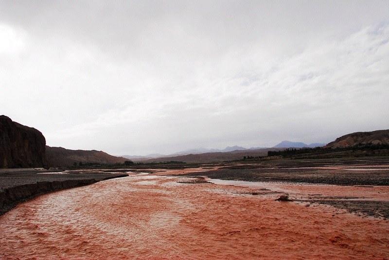 喀什地区的疏附县,疏勒县,喀什市,伽师市,巴楚县,最后与叶尔羌河相遇图片