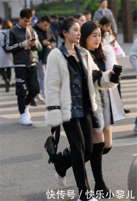 街拍:女神范的小姐姐,秀出青春活力范,养眼又好看
