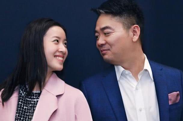 奶茶妹妹章泽天变高冷,出席活动身边不见刘强东,两人婚姻有变?