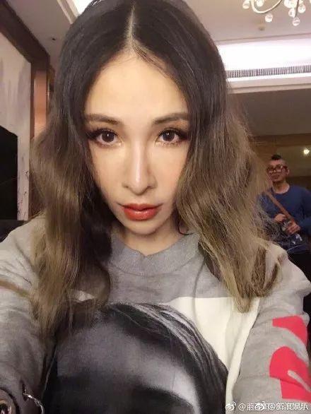萧亚轩亲自打脸艾滋谣言获全网声援!造谣的人可以闭嘴了吗?