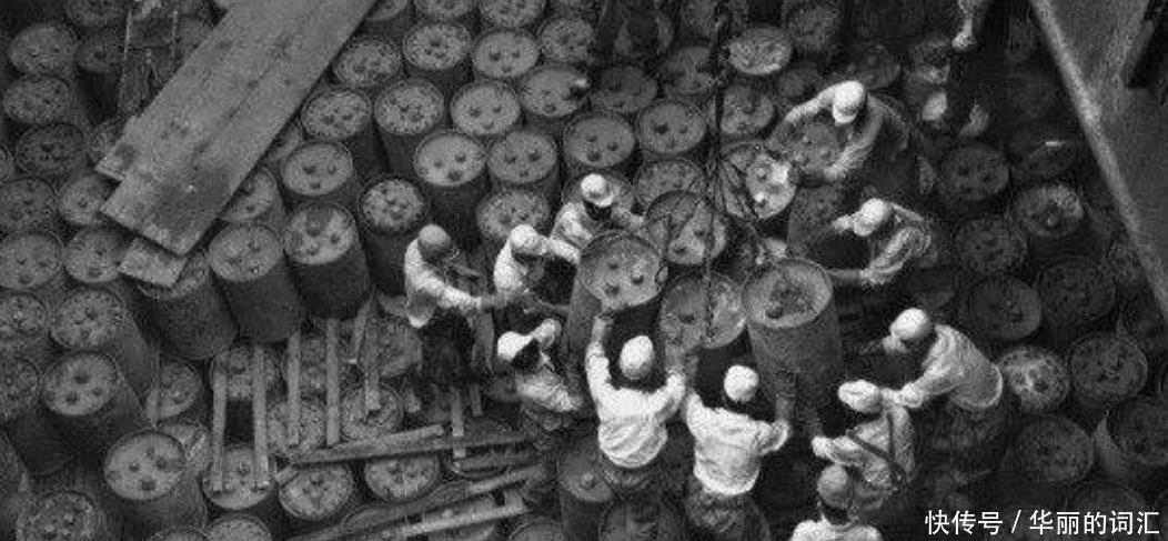牧童发现日本投降前藏的宝贝,告知当地政府,足足装了13辆大卡车
