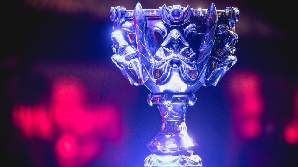 《英雄联盟》S8总决赛处罚公告公布 UZI被罚款
