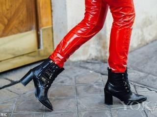 巴黎周街头刮来金属风 这些亮面光感靴超酷炫!