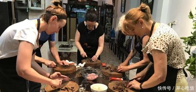 法国美女来华学了道中国菜,回国父母吃后直呼:羡慕中国人天天吃