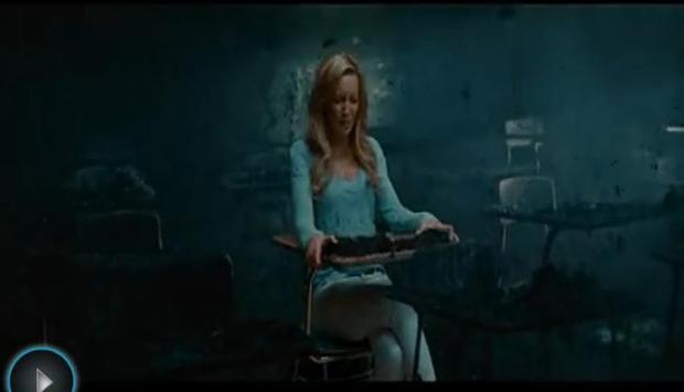 求电影名字:一个外国金发美女的在教室里面闭着眼念