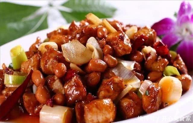 炒宫保鸡丁时,别直接下锅,事先加上这一步,炒出来的肉又香又脆