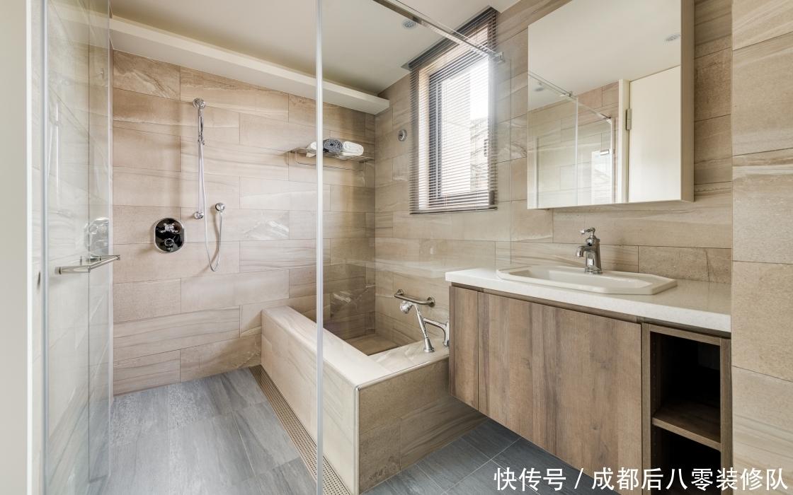 成都两百平大平层装修效果图 柜子白漆与木纹