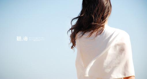 女生看海的意境图?
