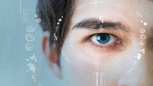戴上它人人都是间谍 智能隐形眼镜眨眼就拍照