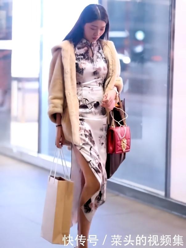街头发现1一旗袍,穿极品阿奇感染细菌性吃发烧展身材章鱼,美女腿半图片