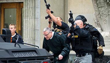 加拿大首都枪击案 议会大楼成枪战片现场