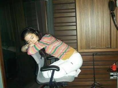 女星睡相:赵丽颖萌翻 刘亦菲美如桃花 - 一统江山 - 一统江山的博客