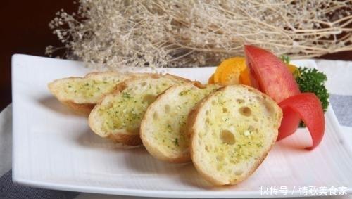为什么在西餐厅点餐前,他们会送一份免费的面包?内行人道出实情