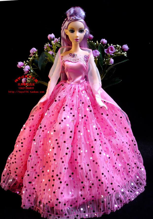 怎样做芭比娃娃的衣服