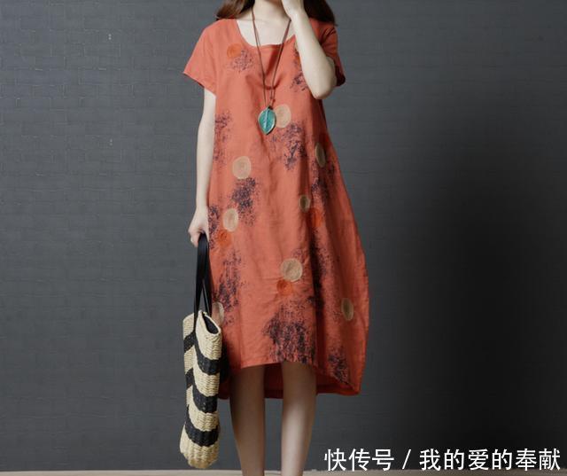 陪妈妈逛街,穿着第5款时尚连衣裙,回头率比我还高,显优雅时髦