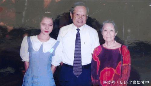 她22岁嫁恩师,相爱53年,仅离世1年,82岁恩师再娶28岁娇妻