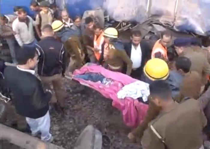 【转】北京时间     直击印度近年最惨火车事故:车厢撕裂 上百人死伤 - 妙康居士 - 妙康居士~晴樵雪读的博客