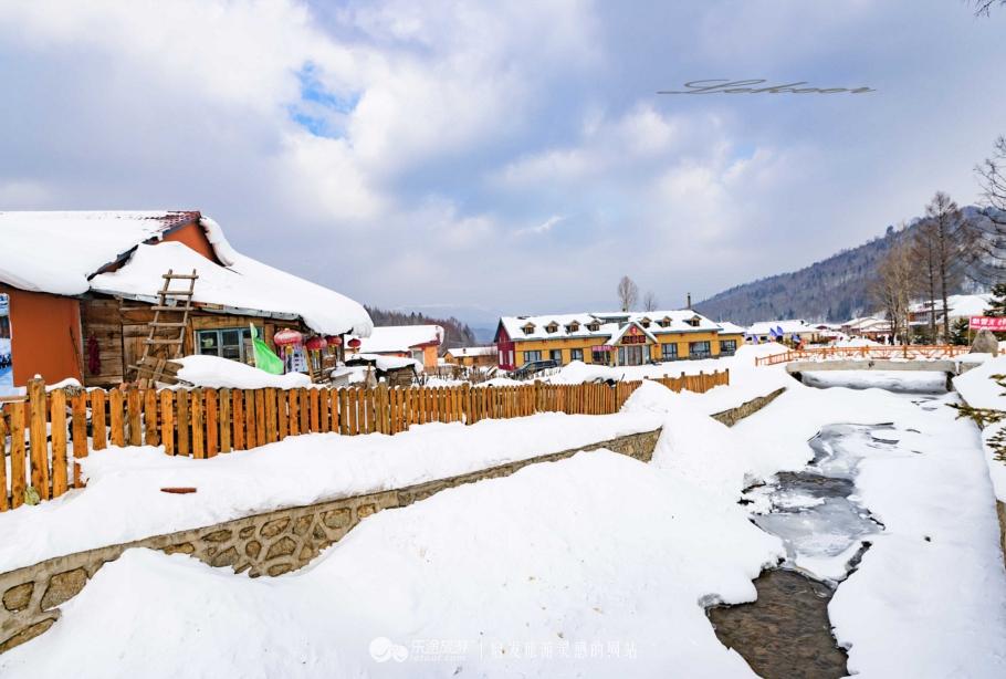 二浪河风景区距离雪乡仅仅43公里,其气候与中国雪乡景区完全相似,也是