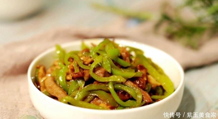 炒肉时,为什么会粘锅?大厨:很多人这一步没做好,不粘锅才怪