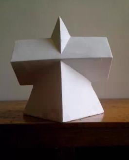 三角形在中间加长方形是什么形